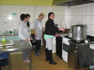 Przygotowanie potraw wigilijnych na Kwietniowej